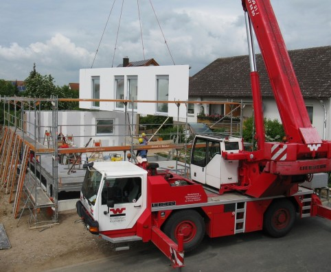 house-construction-1407480_1280